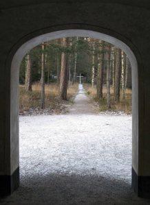 Korset på begravningsplatsen. Foto: Kari Ansnes, 2014